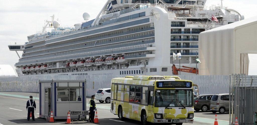 Acaba cuarentena de crucero en Japón; cientos tienen coronavirus