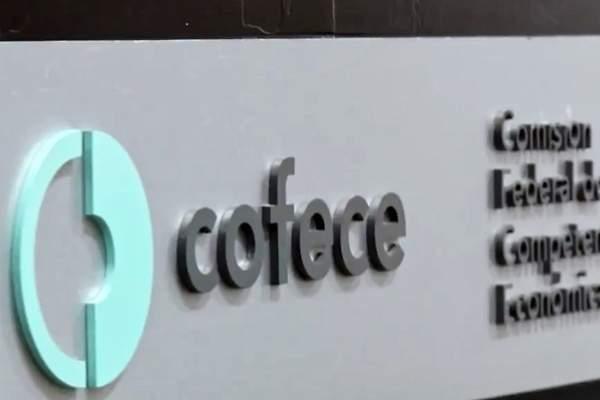 """Cofece sanciona a proveedores de guantes por """"trampa"""" en licitación del IMSS"""