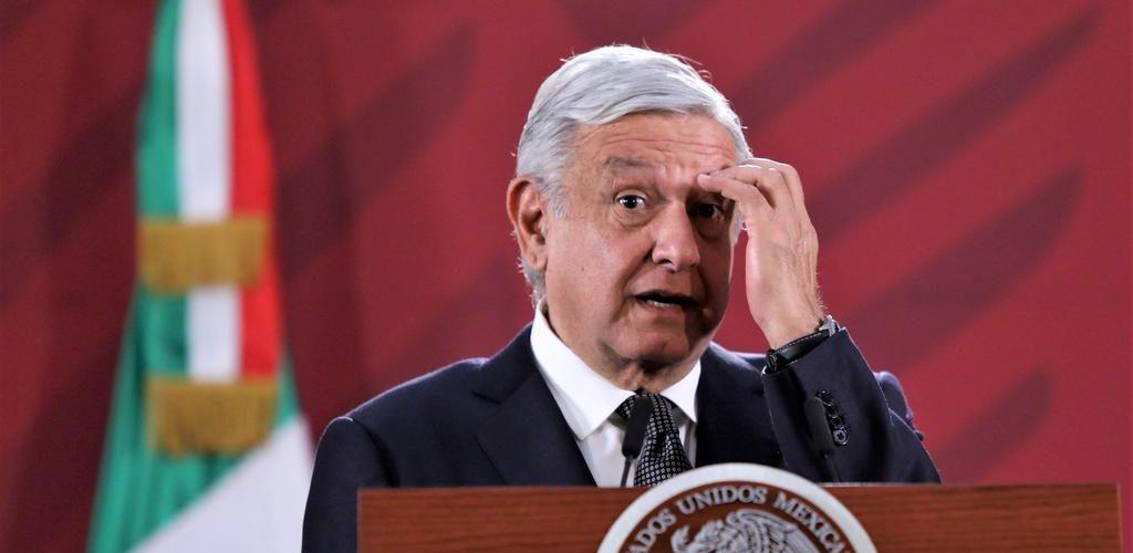 Baja la aprobación de AMLO en México