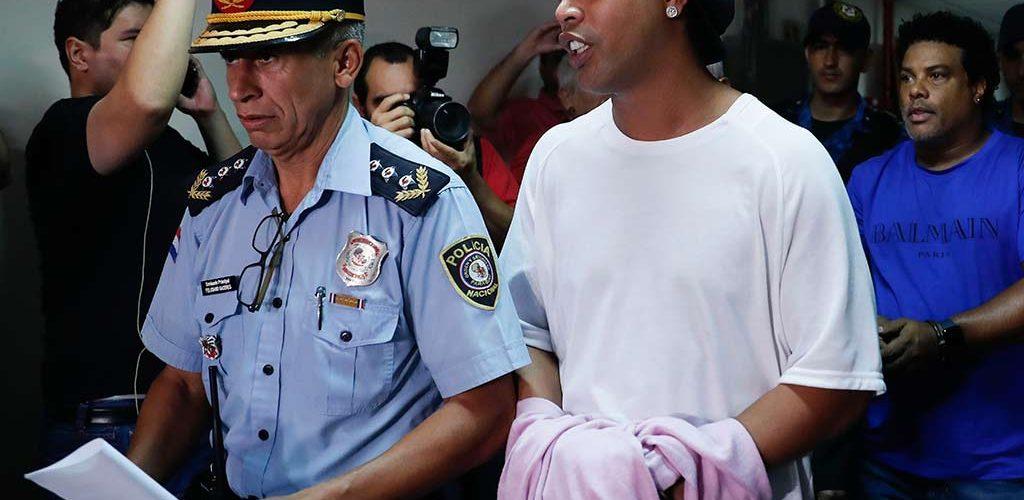 Ronaldinho comparece en audiencia