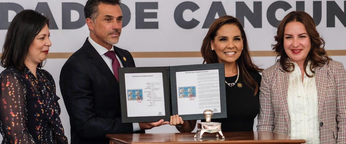 Promueven Cancún con sello postal del 50 Aniversario