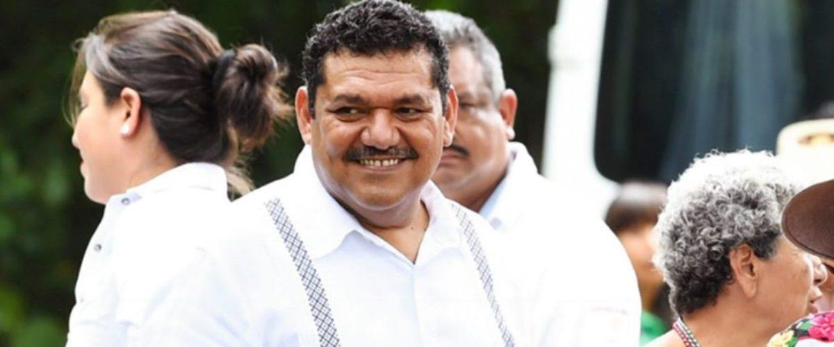 AMLO no acepta renuncia de Javier May