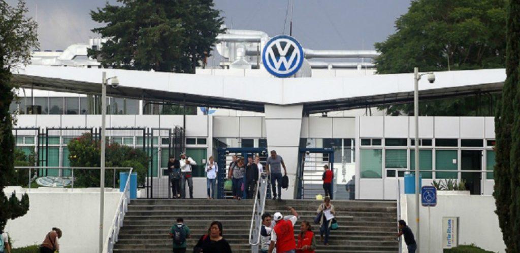 Aíslan a 40 empleados de Volkswagen por caso de Covid-19