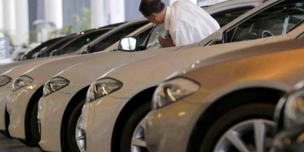 Aumenta 0.3% venta de autos nuevos en febrero