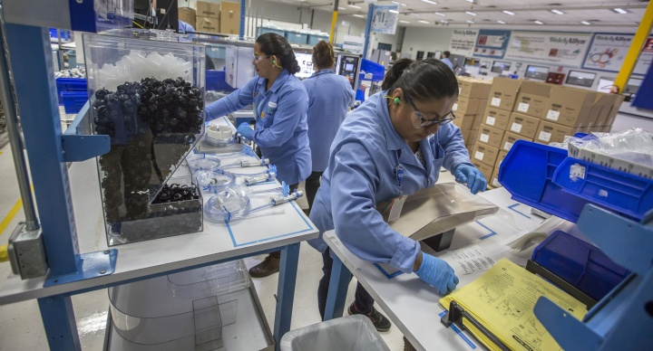 Autoridades exhortan a  denunciar empresas que siguen laborando