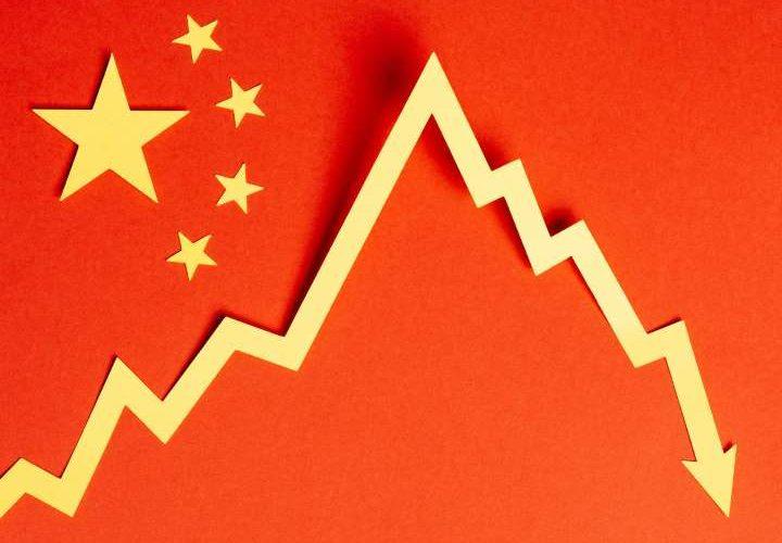 Se contrae economía China 6.8% por Covid-19
