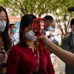 Gobierno chino ordena hacer pruebas de Covid-19 para todos en Wuhan