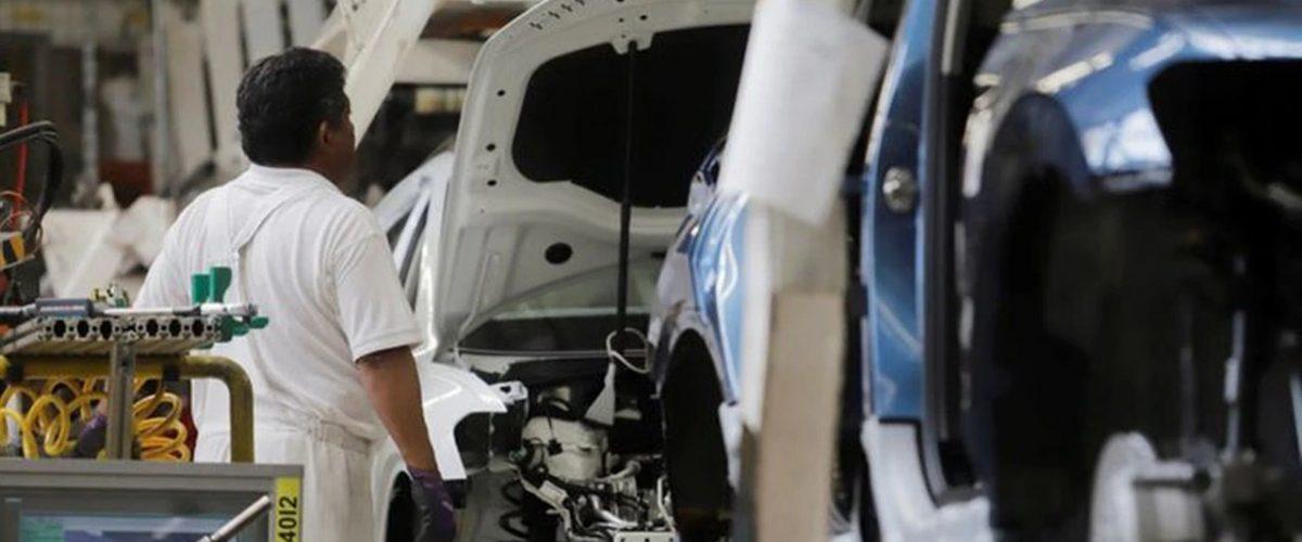 Industria Automotriz cae 93.7% en producción