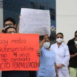 Se manifiesta personal médico en Puebla