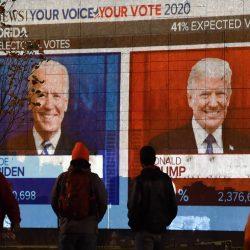 Trump y Biden aun en recuento de votos